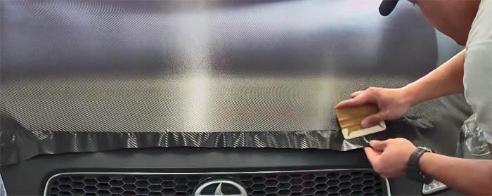 Как обклеить машину карбоном