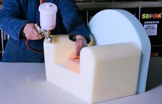 Чем склеить поролон в домашних условиях