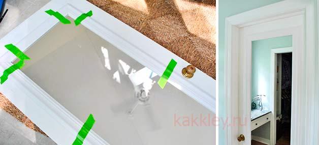Процесс приклеивания зеркала к мебели